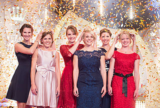 The former Wine Majesties crown the new Wine Queen and Princesses ne